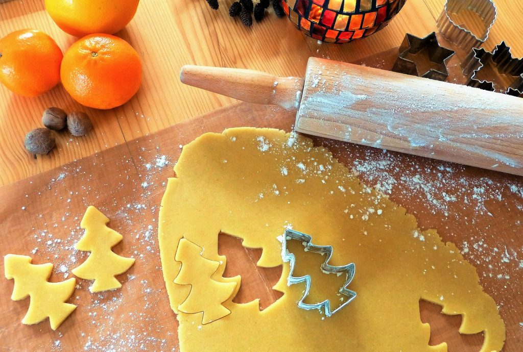 Auch wir von Reproprofi in Dresden sind wieder bestens für das kommende Weihnachtsfest vorbereitet. Wenn man eins an Weihnachten braucht, dann ist es Appetit. Herrliche Festessen und zahlreiche Leckereien prägen schon lange die kalten Wintertage. Auch wir möchten mit unserem Plätzchenrezept etwas dazu beitragen: